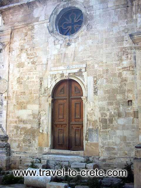 AGIA AIKATERINI - Agia Aikaterini church entrance