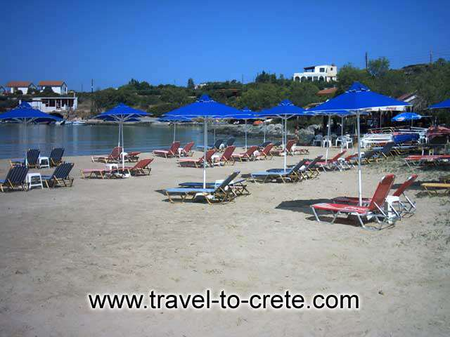 AKROTIRI STAVROS - The beach in the bay