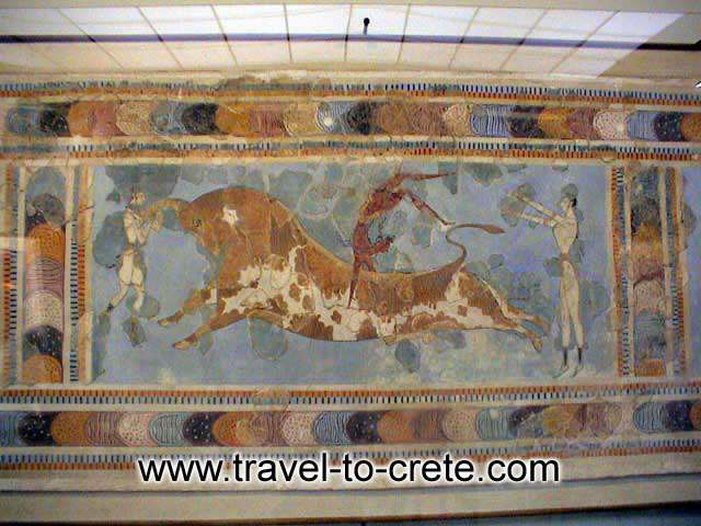 ARCHAEOLOGICAL MUSEUM OF HERAKLEION - THE BULL LEAPING FRESCO