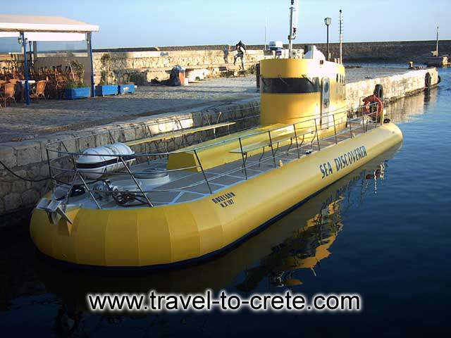 CHANIA TOWN - Sea discoverer in Chania port