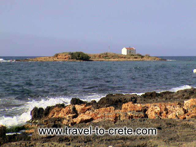 MALIA - The small islet across the beach