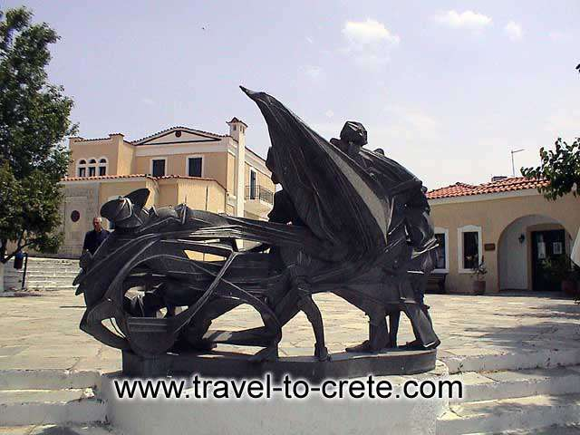 KAZANTZAKIS MUSEUM - Kazantazakis museum was founded to preserve the work and to record the life of the Cretan writer.