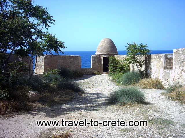 FORTEZZA - Rethimnon a small Mediterranean city with its Renaissance architecture, Venetian fortress, museums, endless beaches, monasteries and churches, Venetian and Turkish monuments, areas of great natural beauty and local people, famous for their hospitality th