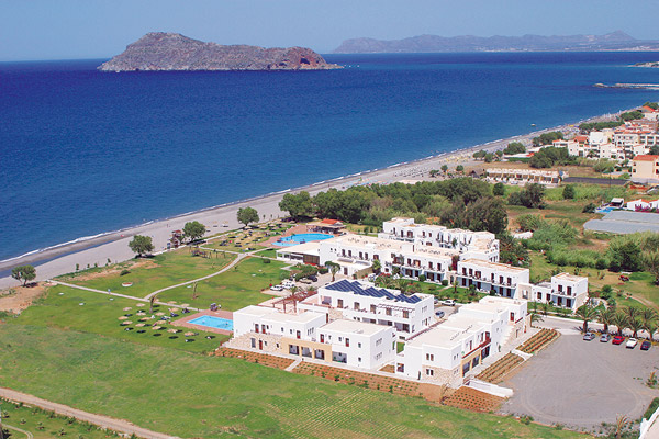 The swimming pool of Geraniotis beach hotel CLICK TO ENLARGE