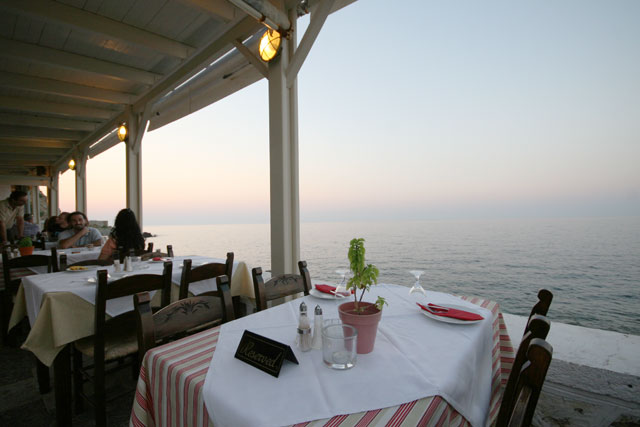 Passas Tavern - restaurant you can enjoy the food and the view next to the see CLICK TO ENLARGE