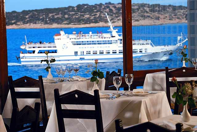 From the Restaurant of Coral Hotel you can enjoy the meal and the wonderful view CLICK TO ENLARGE