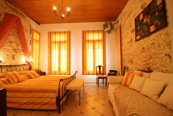LA STRADA TRADITIONAL HOTEL  IN  16, Xanthoudidou Str. - Old Town