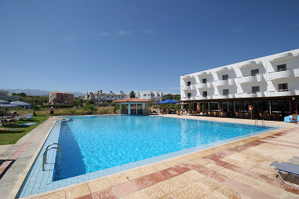 The swimming pool of Minerva Dore Hotel in Agia Marina - Chania - Crete CLICK TO ENLARGE