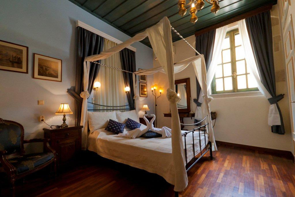 The Room of Casa Leone Hotel - Old Venetian port - Hania - Crete CLICK TO ENLARGE