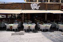 SYNTRIVANI CAFE IN  1, Akti Koundourioti - Old Venetian port  Chania