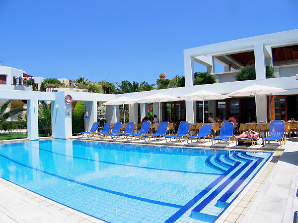 Yhe swimming pool of the Anais Holiday Hotel - Hrissi Akti - Hania - Crete CLICK TO ENLARGE